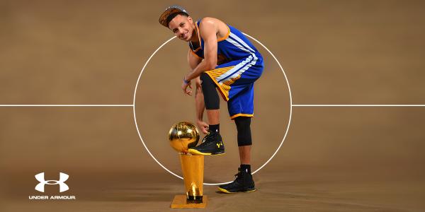 Nike tiembla: las ventas de Curry ya superan a las de LeBron