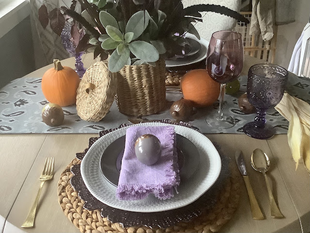 Simple and easy seasonal tablescape