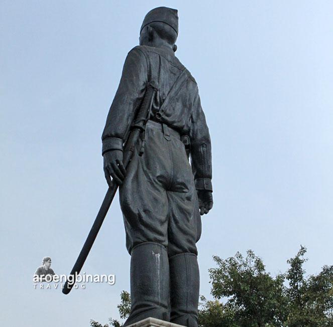 monumen jenderal sudirman surabaya