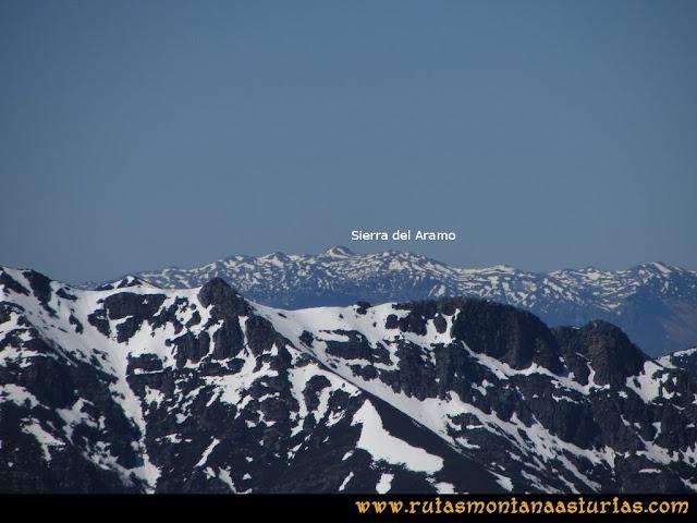 Ruta Belerda-Visu La Grande: Vista de la Sierra del Aramo