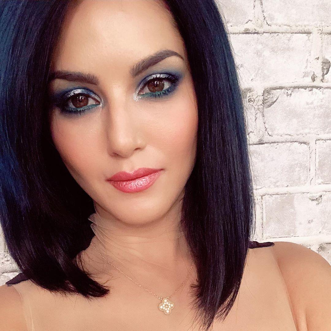 Sunny Leone Latest Hot Photos