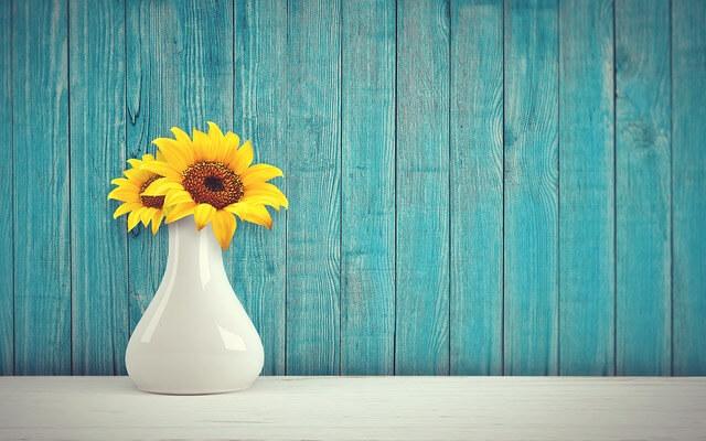 kerajinan Vas Bunga dari Tanah Liat