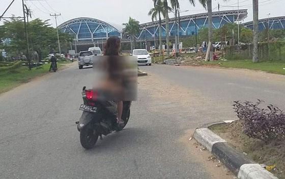 Video Cewek Telanjang Berkendara di Area Bandara Supadio Pontianak