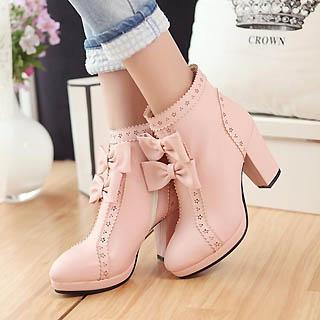 High heels model chunky untuk sepatu wanita kaki besar