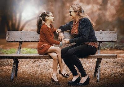 menjadi pendengar yang baik untuk anak