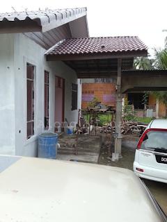 Rumah Idaman : Porch Tangga Siap