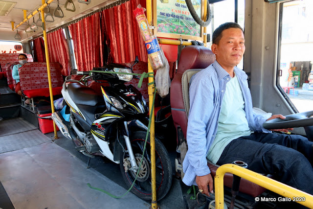 BUS Nº1 HOI AN - DA NANG, VIETNAM