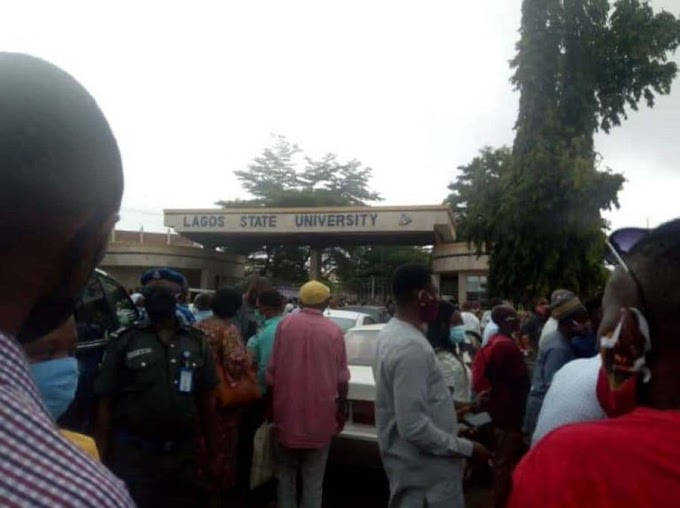 ASUU AND NASU protest, vice chancellor and Students locked outside in Lagos state university (photos)