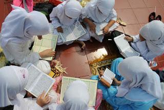 ekstrakurikuler Baca Tulis Al-Quran (BTQ)