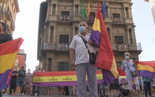 Concentración republicana en Pamplona republicana en Pamplona contra la monarquía y su corrupción
