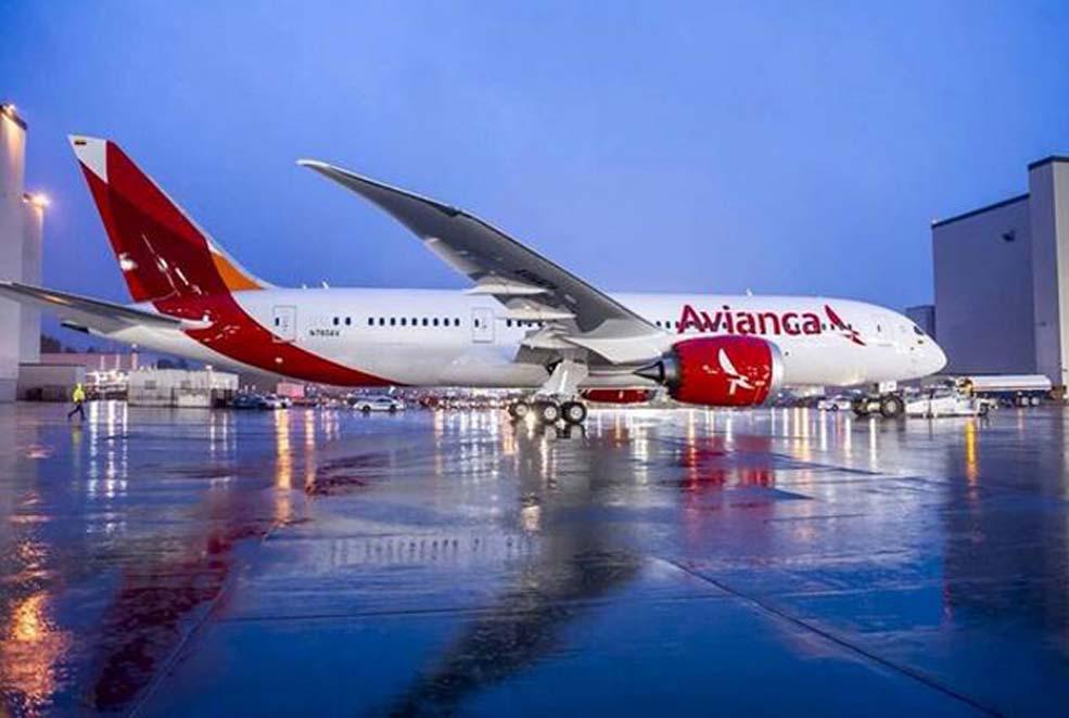 Avianca estudios de la aviacion la for Interior 787 avianca