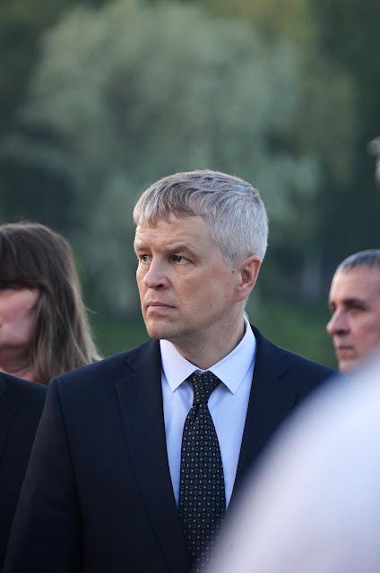 Виталий Шувалов на акции Свеча памяти