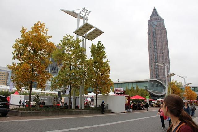 Die Agora auf der Frankfurter Buchmesse - Sophie staunt...