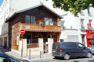 Paris : Chalet insolite, des Alpes aux Carpates au coeur de la Ville Lumière - 103 rue de Meaux - XIXème