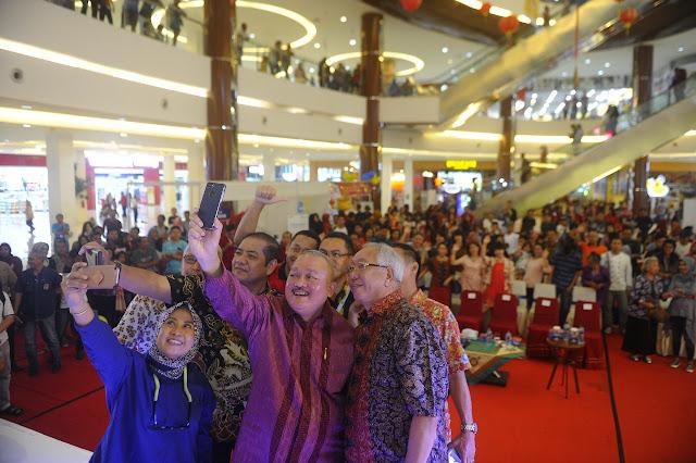 Gubernur Sumsel Hadiri Penutupan Festival Imlek 2018