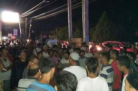Masyarakat Rohul Merusak Kantor PLN Karena Kesal Listrik Padam di Bulan Ramadan