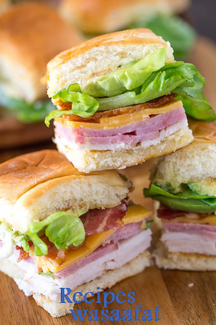 ULTIMATE CLUB SANDWICHES FOR A CROWD