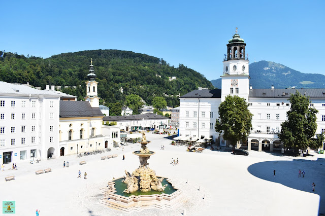Residenplatz en Salzburg, Austria