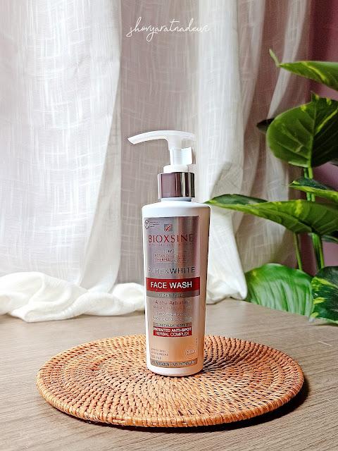 Review Bioxsine Pure & White Face Wash pada kulit berminyak