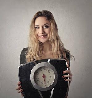 Loh Kok Bisa Saat Puasa Berat Badan Bertambah? Simak Penjelasannya