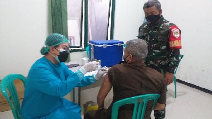 Koramil 06/Cimanggis Gelar Vaksinasi Massal Dosis Pertama. Target 300 Orang