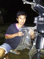 CARA MUDAH MENGGANTI LAMPU RITING DEPAN SEBUAH SEPEDA MOTOR BEBEK