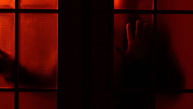 """Un argentino viola a su hijastra postrada en cama, lo condenan a 10 años de prisión y reclama porque le parece """"mucho"""""""
