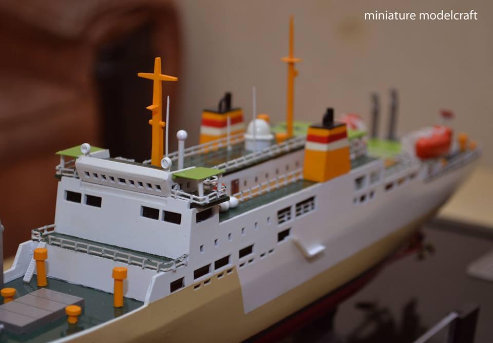 harga miniatur kapal penumpang pelni km ganda dewata murah