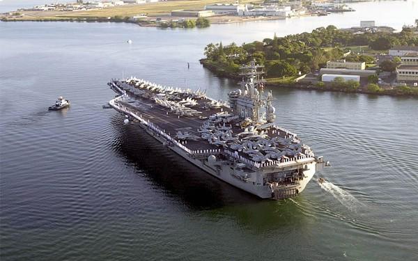 """Porta-aviões """"USS Nimitz"""""""