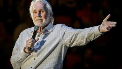 Cantor  Kenny Rogers, ícone da música country, morre aos 81 anos
