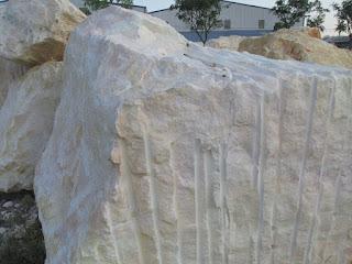 Sử dụng đá hoa cương ốp lát cho sân vườn và lối đi