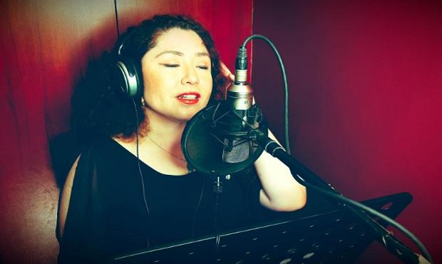 Giovanna Castro presenta disco con temas navideños