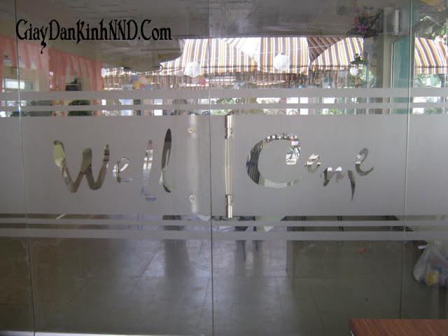 Mẫu dán chữ welcome cho cửa ra vào