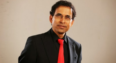 The teller of the story, not the story itself - Harsha Bhogle