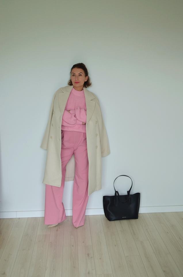 moda;fashion;jesienna stylizacja,Welniany Plaszcz Reserved;Letnia Wyprzedaż;Swetr Laurella;Spodnie Laurella;blog modowy Wrocław;blogerka modowa 40+;kobieta 40+,wyprzedażowe łupy,