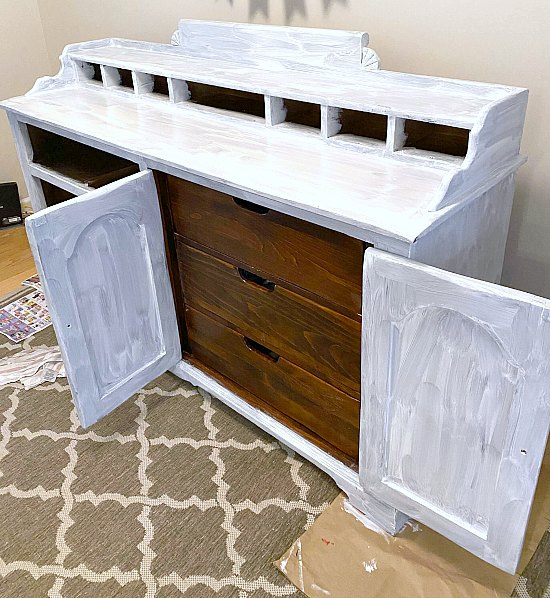 A painted sideboard with farmhouse style
