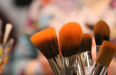 12 Makeup Artist Approved Tools You Would Like