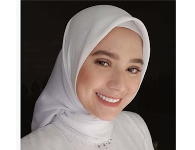 Mayang Yudittia Pakai Jilbab