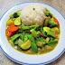 [705] Gemüse mit grünem Thai-Curry (scharf)