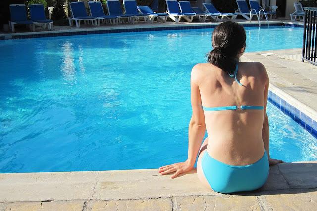 Infecção Urinária pode ser um risco para mulheres que usam biquíni molhado