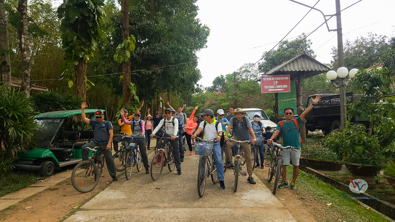 Đạp xe trong rừng Nam Cát Tiên
