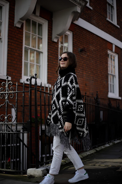 OOTD fashion blogger in kensington