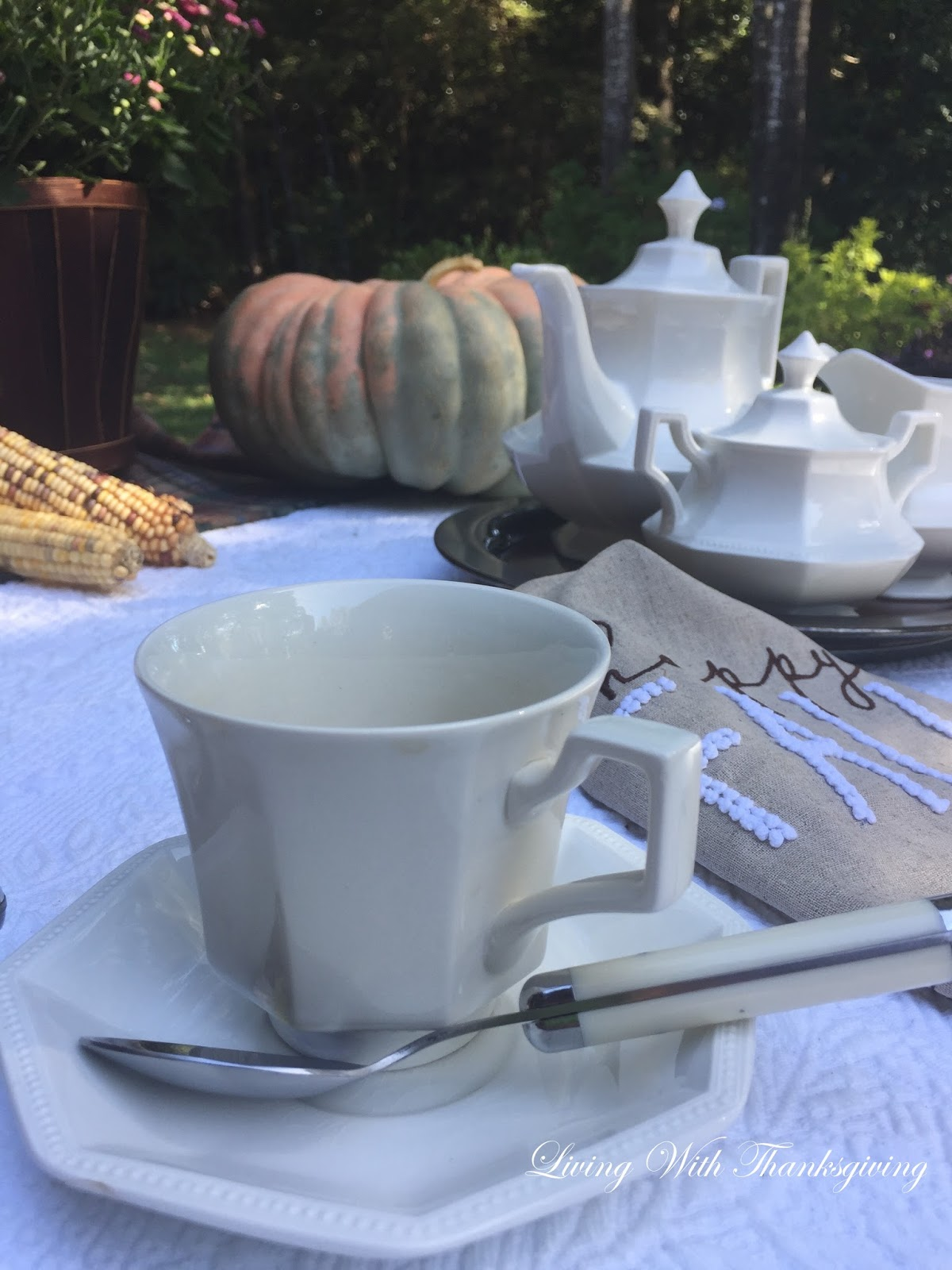 autumn alfresco tea with sophie living with thanksgiving