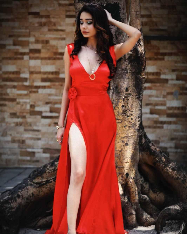 Actress Leena Jumani Instagram Photos