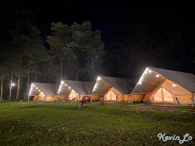 拉波波村營區抬頭能看見幾顆星星