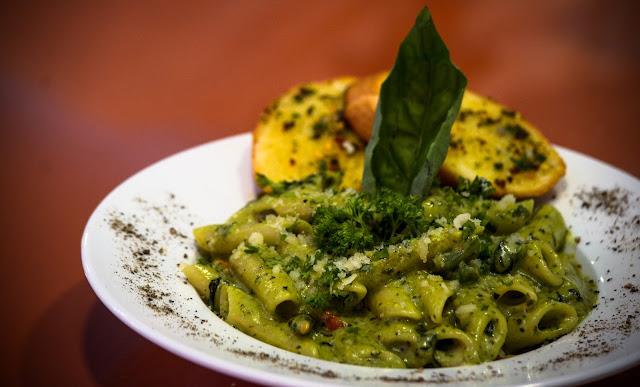 Penne in Pesto Sauce