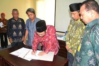 Pemkab Lombok Utara Teken MOU Plan STBM