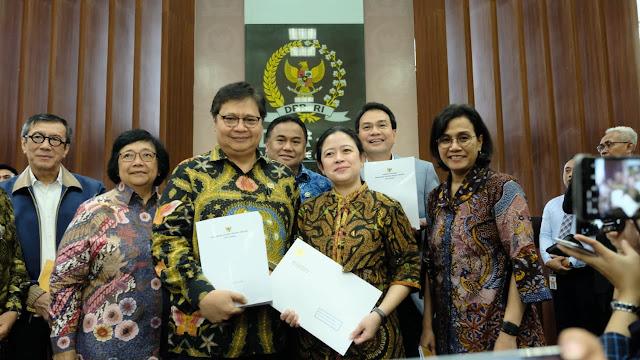 FRI Sebut UU Ciptaker Resmi Kembalikan Indonesia ke Rezim Orde Baru