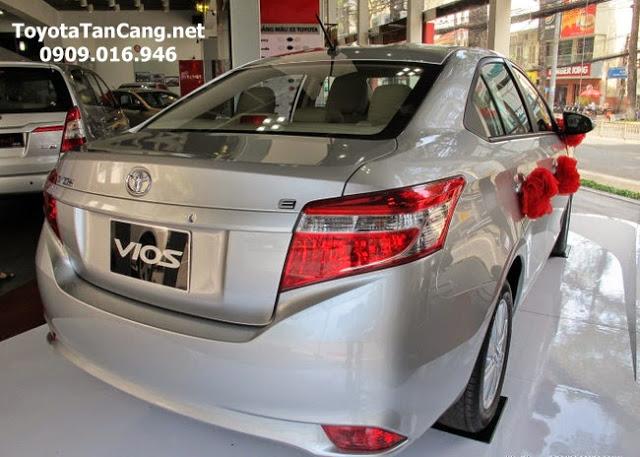 toyota vios 1 5 e toyota tan cang 12 -  - Mua xe hơi lần đầu chọn Toyota Vios hay Yaris 2015 ?