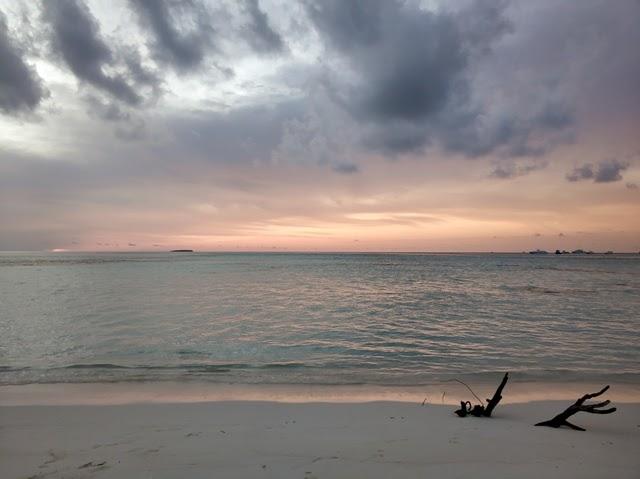 Maldivas con niños y bebes: Viaje a la isla local de Diffushi